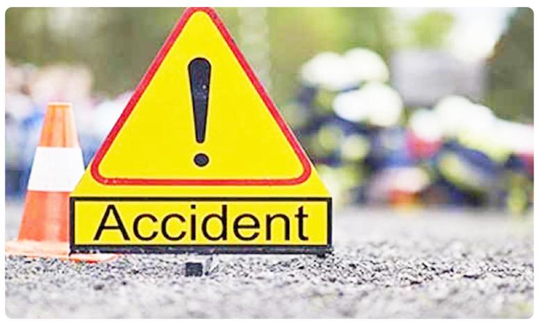 Road Accident 15 injured, బ్రేకింగ్: రోడ్డు ప్రమాదం.. 15 మందికి గాయాలు