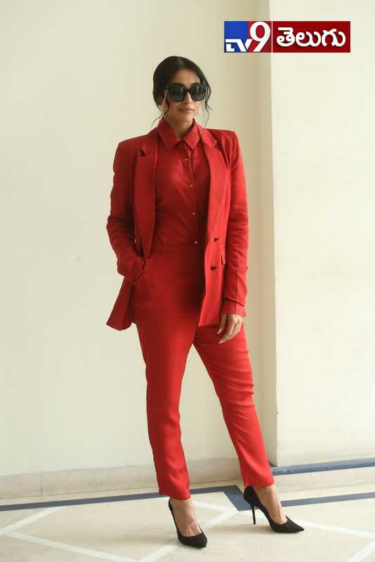 Regina Cassandra New Photos, మళ్ళీ తెర పై మెరిసిన రెజీనా