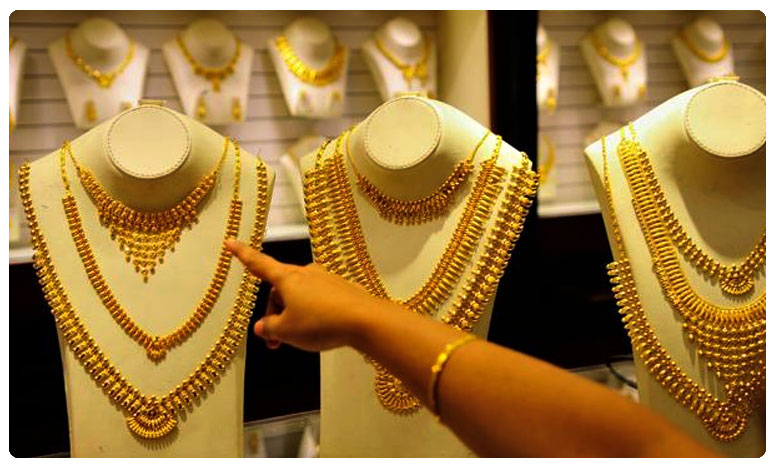 Gold Prices Rise Above ₹40,000, Silver Rates Hit New Highs