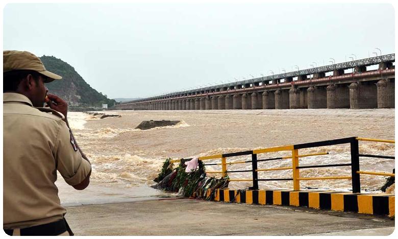 Second danger warning issued to Prakasam Barrage