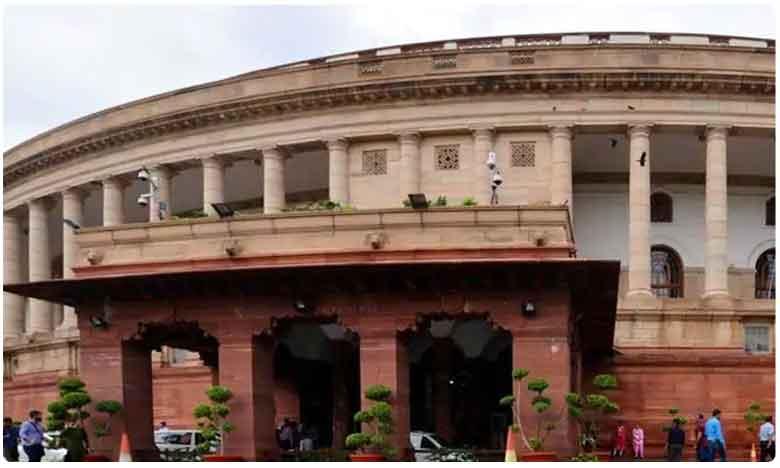 officers attack fertilizer shops, తెలంగాణలో ఎరువుల దుకాణాలపై అధికారుల దాడులు