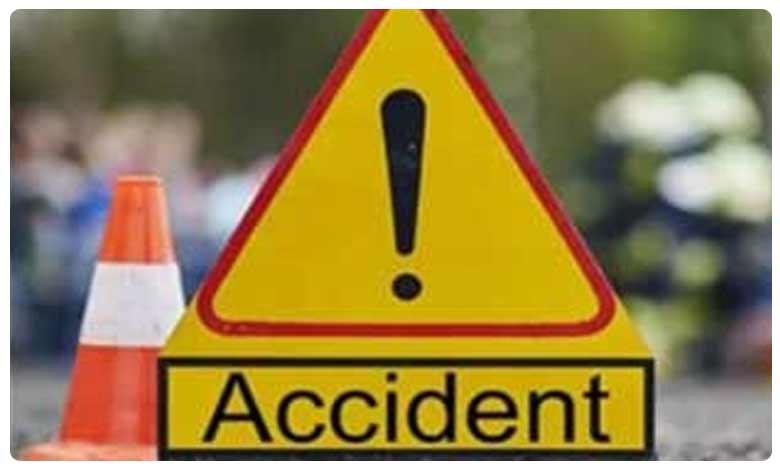 Three died in Major Road Accident at Srikakulam, శ్రీకాకుళంలో ఘోర రోడ్డు ప్రమాదం.. ముగ్గురు దుర్మరణం