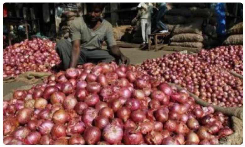 Onions Sell for Record High Rs 220 in Bangladesh, అక్కడ కేజీ ఉల్లి ధర 220 రూపాయలు మాత్రమే!
