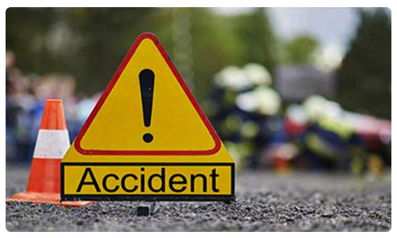 "Road Accident Five Injured, ""దిశ నిందితుల ఎన్కౌంటర్'.. సమీపంలో ప్రమాదం !"