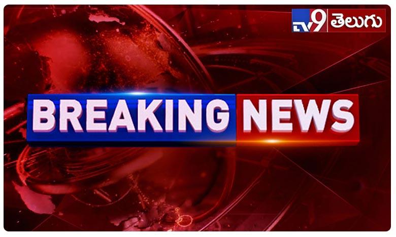 Tension Situation at Mancherial, బ్రేకింగ్: మంచిర్యాలలో ఉద్రిక్తత.. స్వతంత్ర అభ్యర్థిపై గొడ్డలితో దాడి!