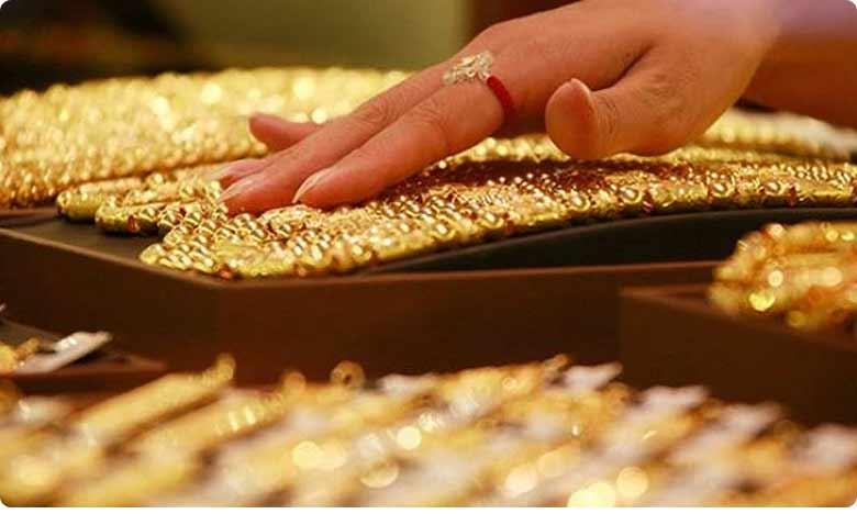 Gold jumps Rs 462 to Rs 42339 per 10 grams on global cues.. silver soars Rs 1047, పసిడి ప్రియులకు భారీ షాక్.. ఆకాశాన్నంటుతున్న ధరలు..