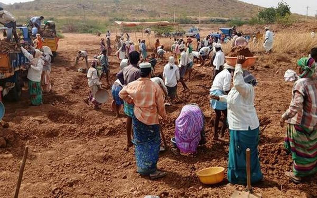 guidelines for the new / additional works permitted in MGNREGA, కేంద్రం కీలక నిర్ణయం…'ఉపాధి హామీ' జాబితాలోకి గ్రామీణ పారిశుద్ధ్య పనులు