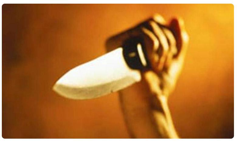 dead Covid-19 patient son stabbed doctor, డాక్టర్పై మరణించిన కరోనా రోగి కుమారుడు కత్తి దాడి