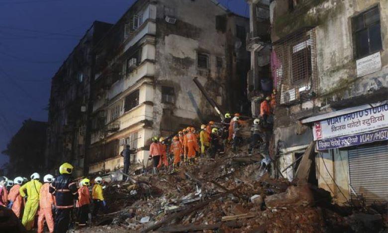 Mumbai Building collapse one person died due to heavy rains, Breaking:ముంబైలో కుప్పకూలిన ఐదంతస్తుల భవనం.. ఒకరు మృతి