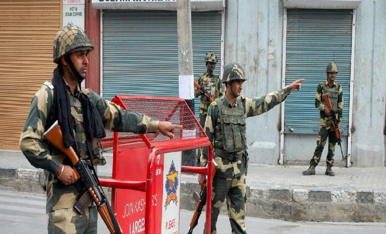 Two days Curfew in Srinagar, శ్రీనగర్లో రెండు రోజుల పాటు  కర్ప్యూ
