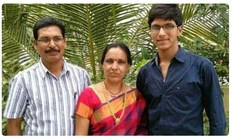 Telugu candidates shine in UPSC Civil Services exam, సివిల్స్ ర్యాంకర్ పై మంత్రి హరీశ్ రావు ప్రశంసలు