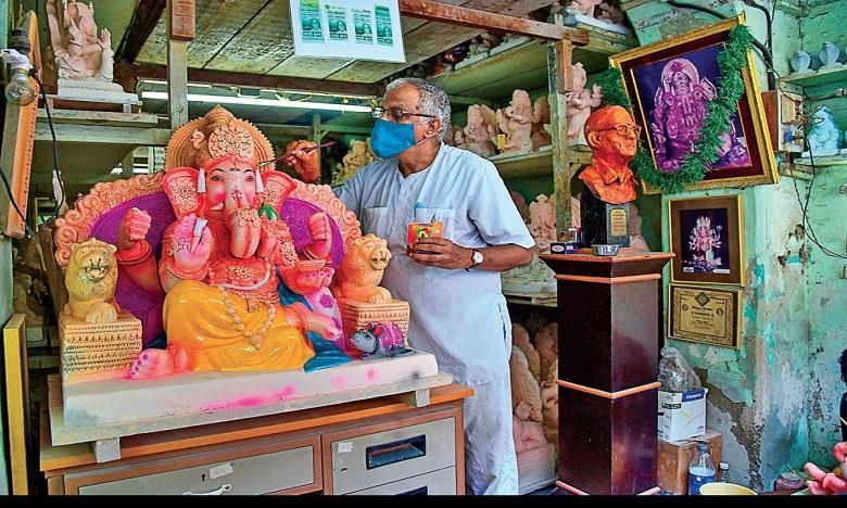 police awareness on the height of the statue of ganesh, వినాయకుడి ఎత్తు ఇంతే ఉండాలి…పోలీసుల స్పెషల్ ఫోకస్