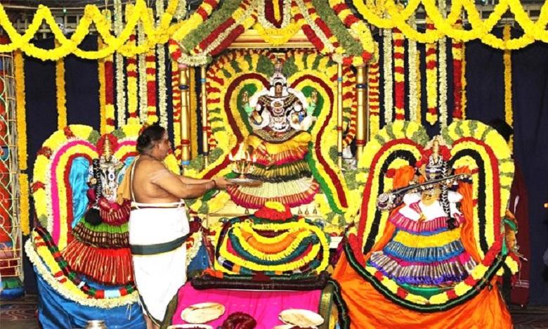 laksha kumkumarchana at kapileshwaram, కామాక్షి అమ్మావారికి లక్ష కుంకుమార్చన