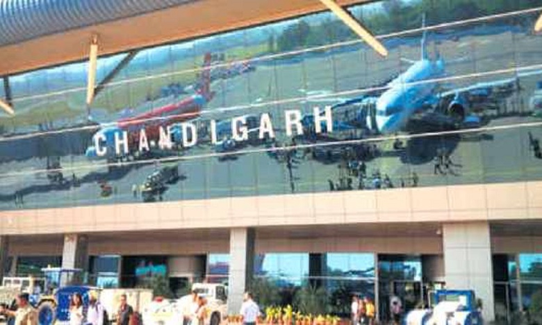 flight with 96 Indians from Dubai lands at Chandigarh International Airport, దుబాయ్ నుంచి స్వదేశానికి 93 మంది ప్రవాస భారతీయులు