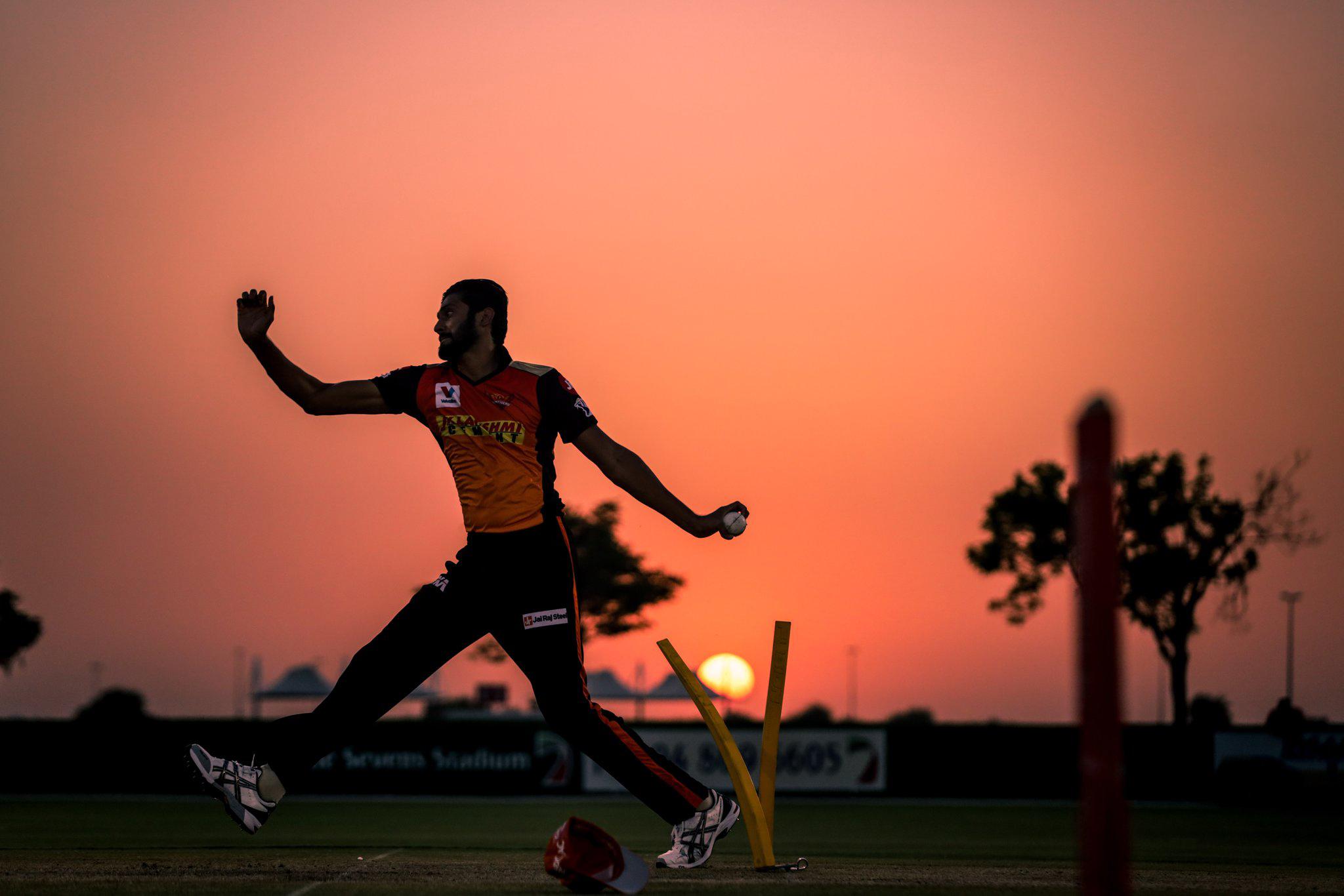 IPL-2020-Images-Sunrisers-Hyderabad-Vs-Royal-Challengers-Bangalore-Match-Photos, ఐపీఎల్ 2020: సన్ రైజర్స్ తో రాయల్ ఛాలెంజర్స్ ఢీ..(ఫోటోలు)