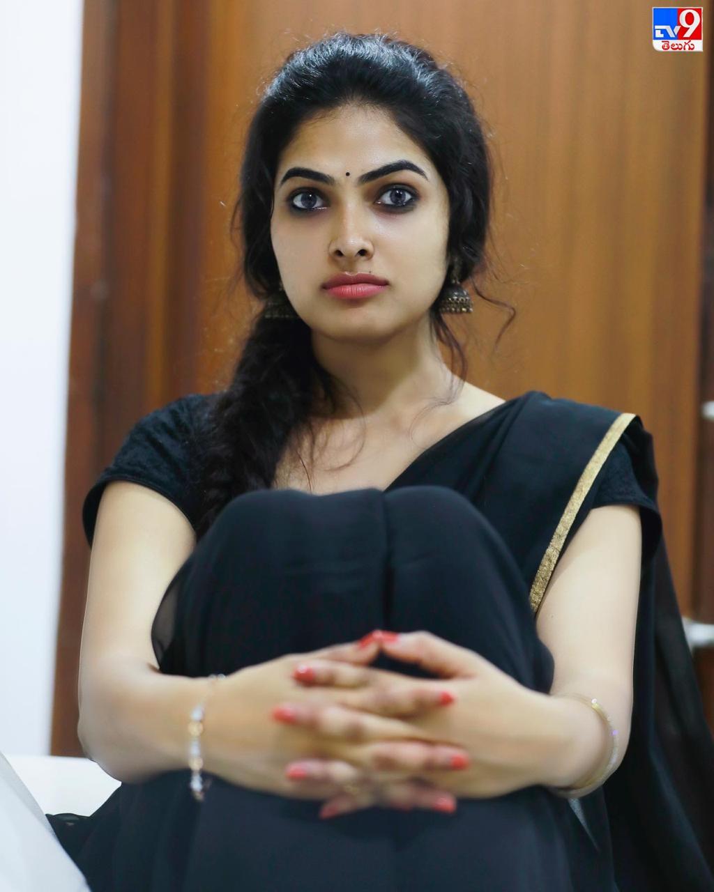 Divi vadthya, బిగ్ బాస్ 4 ఫేమ్ దివి వాద్త్యా