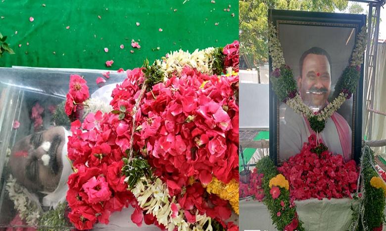 Kannada Hero upendra birthday varun tej nagababu tweets, ఉపేంద్రకు పుట్టిన రోజు శుభాకాంక్షలు