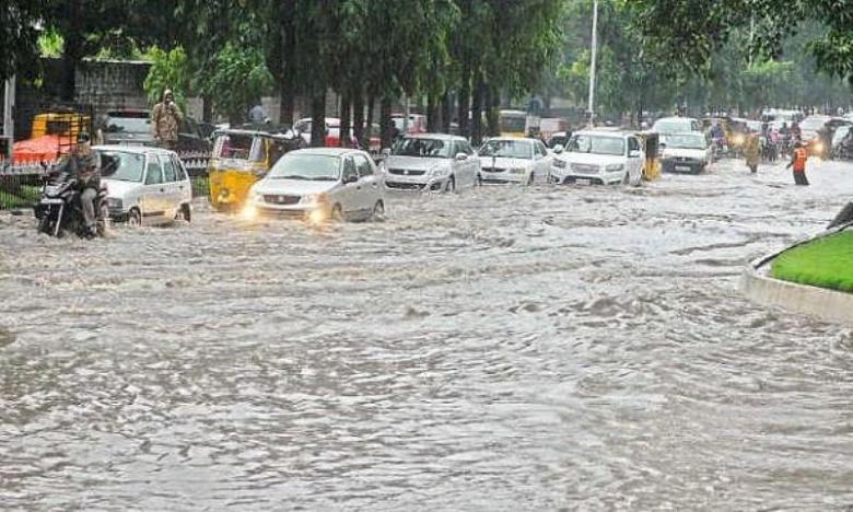 heavy rainfall in telangana, రాష్ట్రంలో దంచికొడుతున్న వర్షాలు