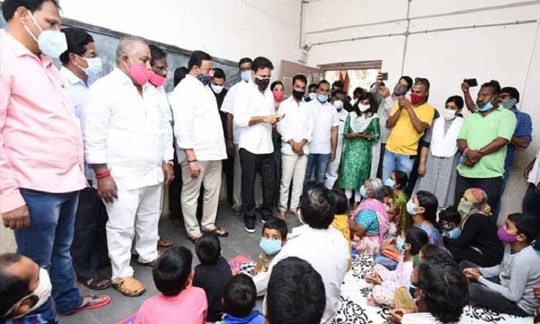 minister ktr visits khairatabad flood area, మూడో రోజు వరద ప్రాంతాల్లో మంత్రి కేటీఆర్ పర్యటన