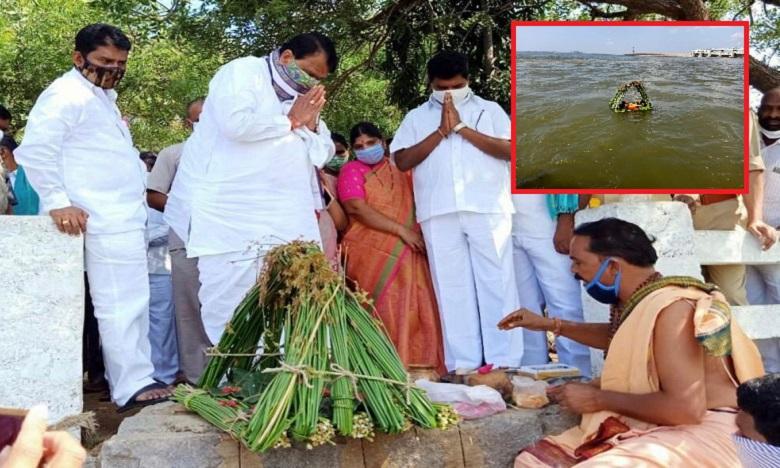 minister srinivas goud visiting Sardar Sarvai Papanna Fort, సర్దార్ సర్వాయి పాపన్న కోటను సందర్శించిన మంత్రి