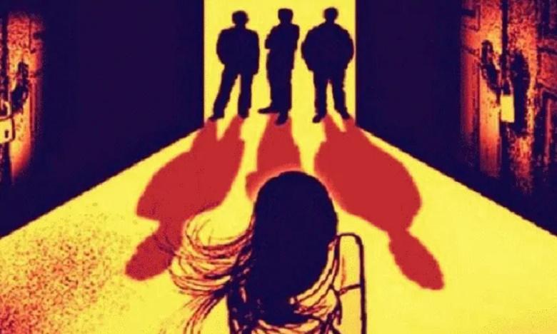 Blood poured from girls palakshy eye in kadapa, చిన్నారి కంట రక్త కన్నీరు