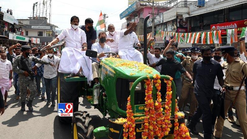 Rahul gandhi leads tractor rally 1 Rahul Gandhi Rides Tractor Photos: Rahul Gandhi turns tractor driver ... Congress leader Rahul Gandhi tractor rally photos in Kerala.  - Rahul gandhi leads tractor rally in kerala Photos
