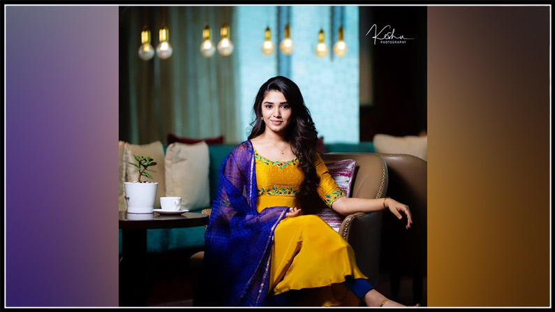 Krithi Shetty New Photos (1)
