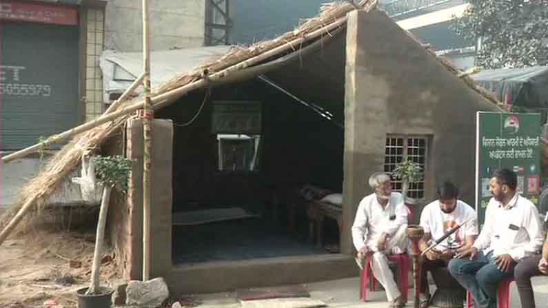 Farmers Build Brick Homes At Delhi Haryana Borders2
