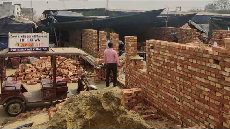 Farmers Build Brick Homes At Delhi Haryana Borders5