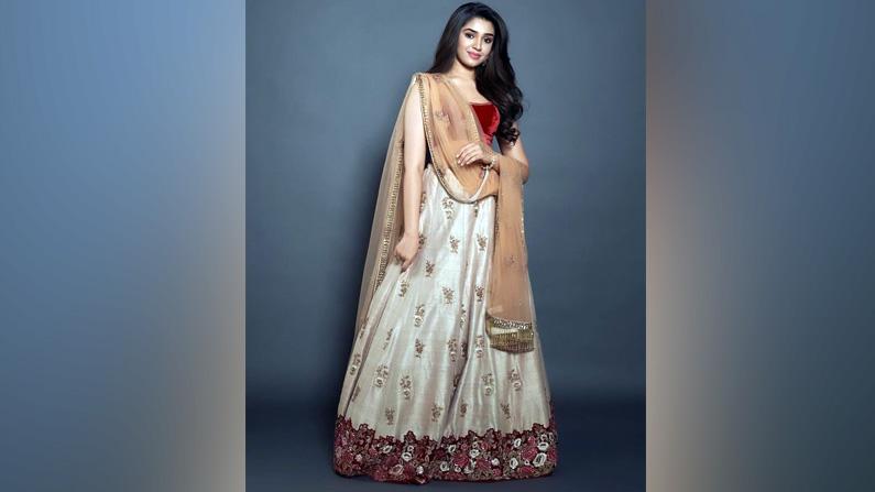 Krithi Shetty Latest Photos (6)