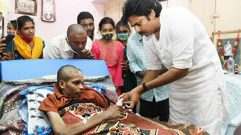 pavan kalyan 5 Pawan Kalyan: Powerstar Pawan Kalyan consults a fan battling cancer .. - janasena chief pawan kalyan meets his fan who is suffering from cancer