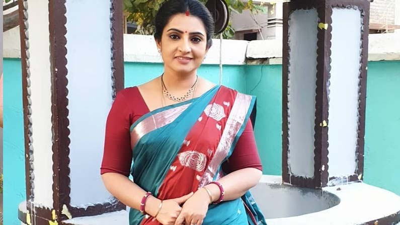 sujeetha 1 Vadinamma Serial Actress Sujitha: Interesting Facts About 'Vadinamma' Fame Sujitha (Sita) ... Beautiful Photos .. - vadinamma serial actress sujitha dhanush know details about her