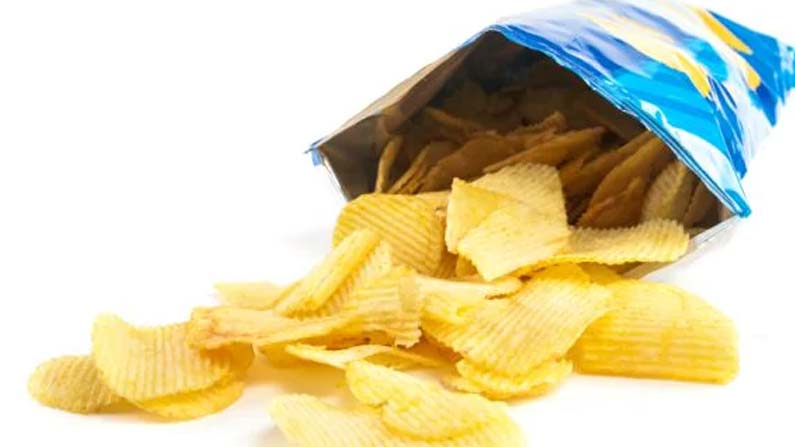 Eating Chips4