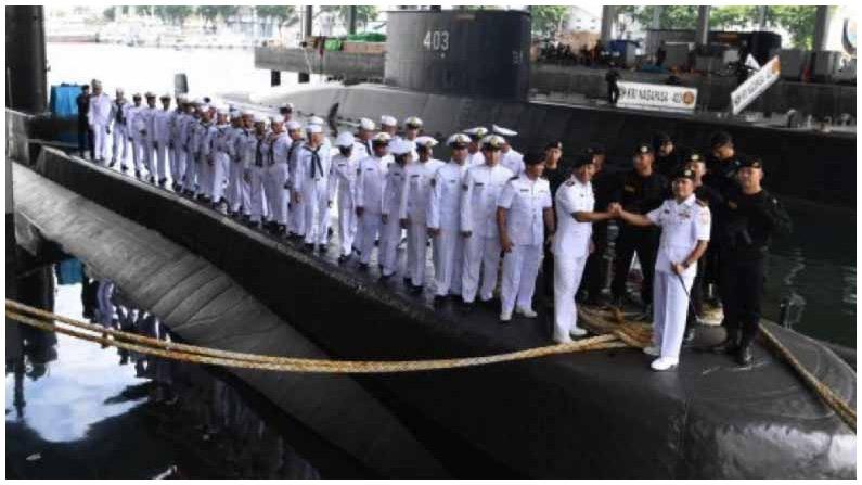 Indonesian Submarine (2)