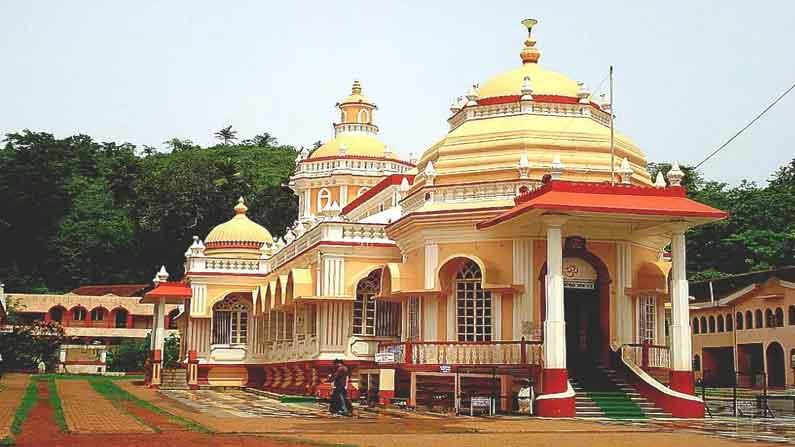 Mangesh Temple 4