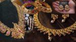 Online Jewelry: మీరు ఆన్లైన్లో నగలు కొంటున్నారా..? అయితే వీటిని గుర్తించుకోవడం మంచిది.. లేకపోతే మోసమే..!