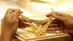 Gold Price Today: పతనమవుతున్న బంగారం ధరలు.. ప్రధాన నగరాల్లో ఎంతమేర తగ్గాయంటే..?