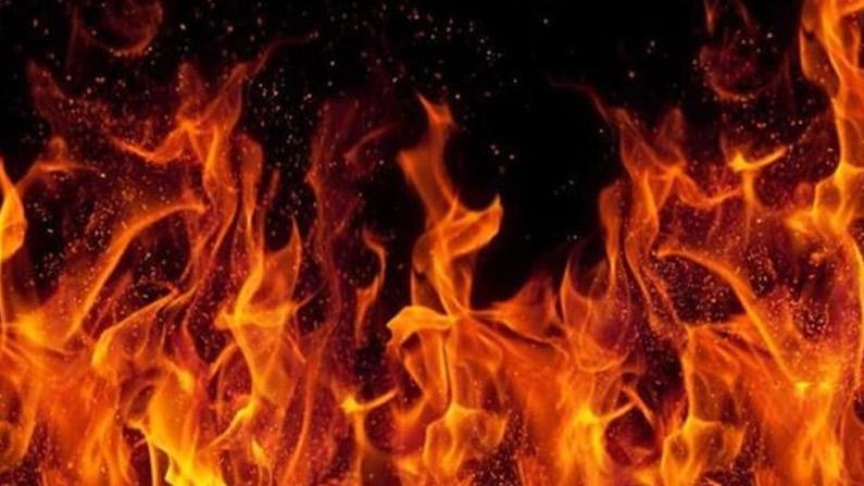 Andhra Pradesh: విజయనగరం జిల్లాలో దారుణం.. యువతిపై పెట్రోల్ పోసి  నిప్పటించిన యువకుడు.. | The young man who poured petrol on the young woman  and set her on fire in Vizianagaram | TV9 Telugu